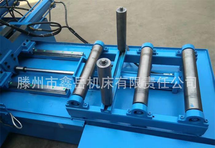 GZ4240全自动龙门数控带锯床实物图3